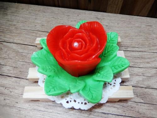 Flor (rosa) com base